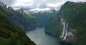 the-seven-sisters-waterfall-geiranger-fjord-norway